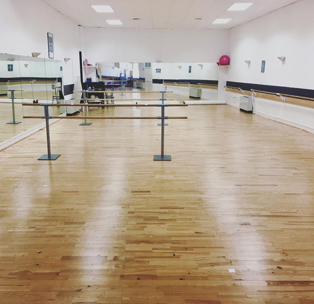 Photo du Studio 2 prêt pour la reprise des cours de danse H25